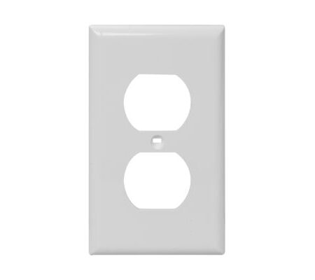 1 Gang Plastic Duplex Receptacle Wall Plate